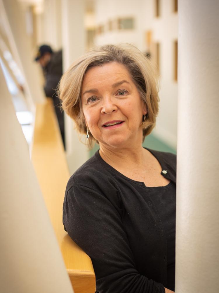 Karen Tait, FHEA