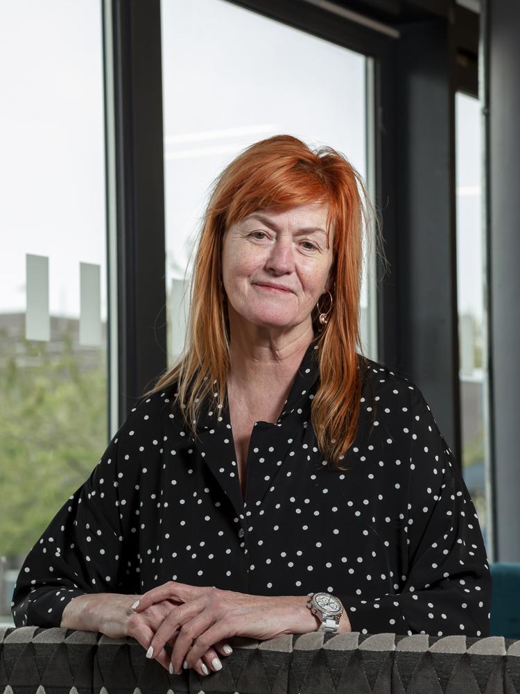 Karen Carling
