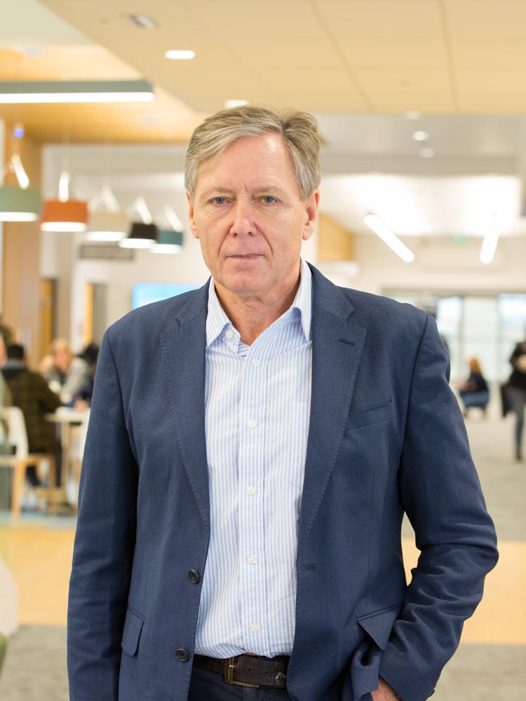 Kenneth Robson