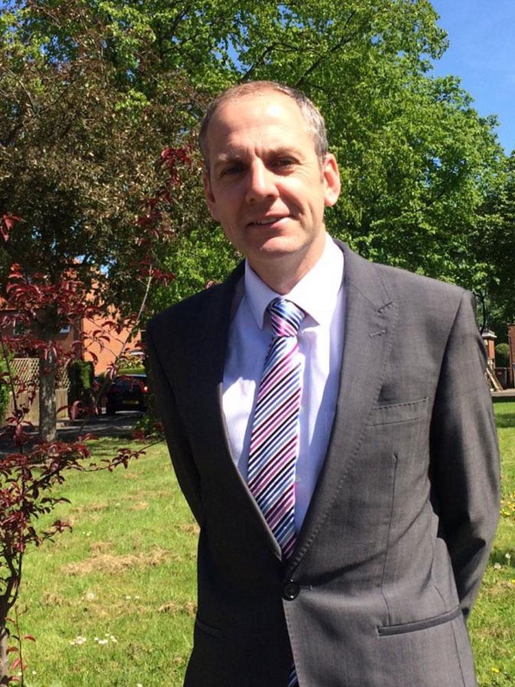 Martin Holt