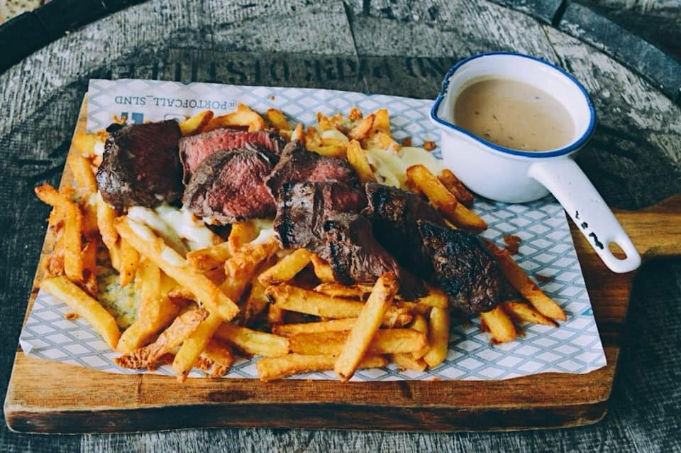 Steak and chips meal