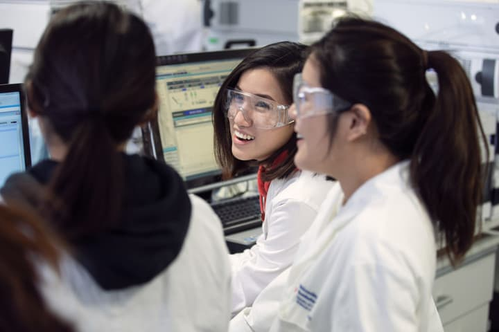 3 female students working in the analytical lab
