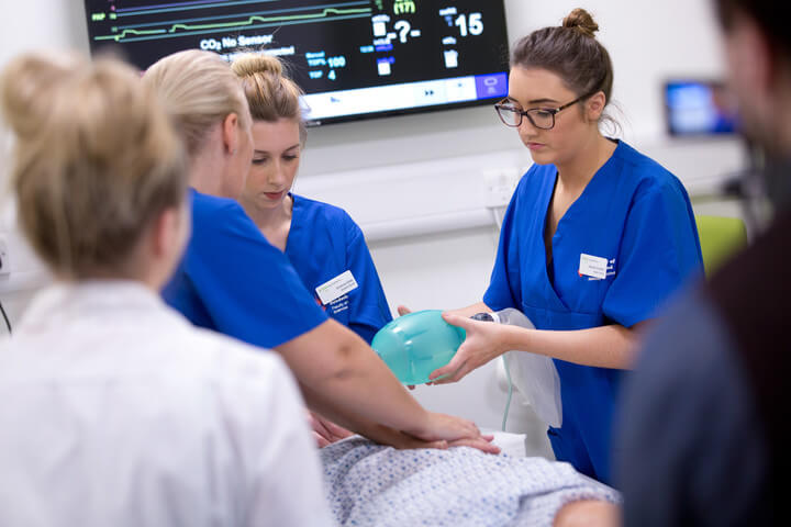 Student nurses in the Living Lab