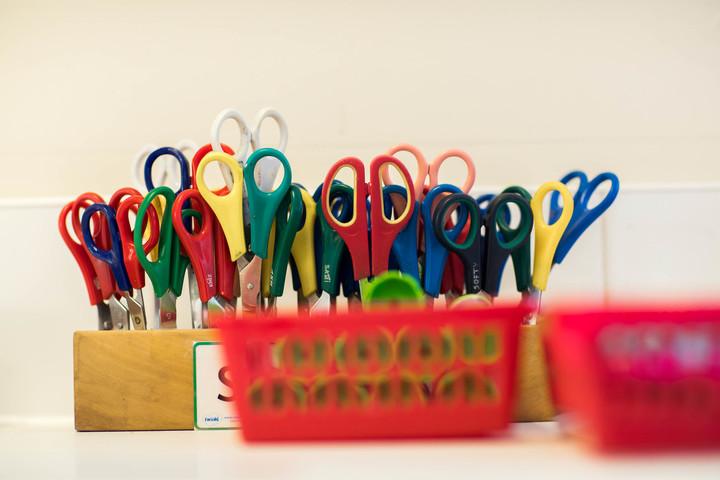 Primary school stationery plastic scissors
