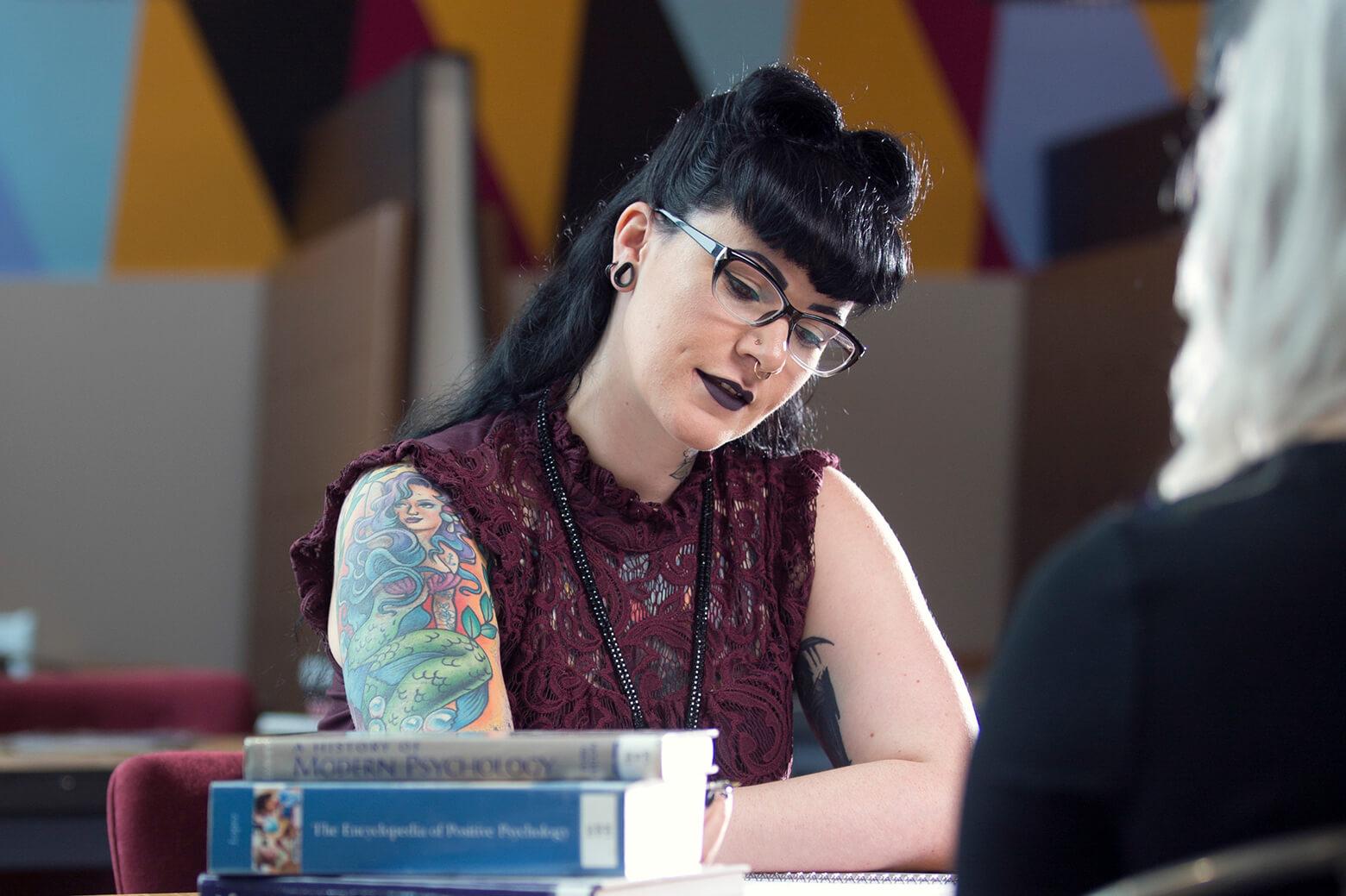 Psychology lecturer Rebecca Owens