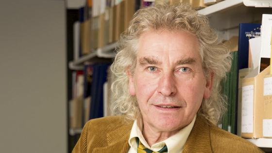 Dr Stuart Howard